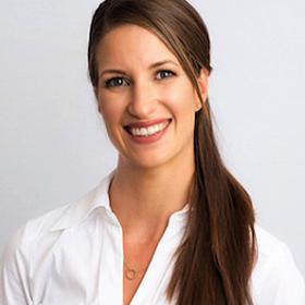 Portrait Dr. Sarah Endress Zahnarztpraxis Dr. Endres & Kollegen Hannover Kleefeld